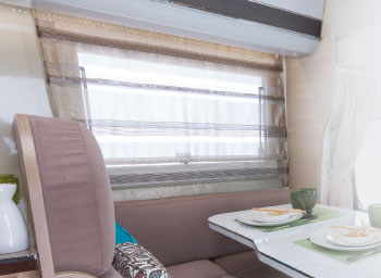 dinette-roll-on-curtains-elnagh-a-loft