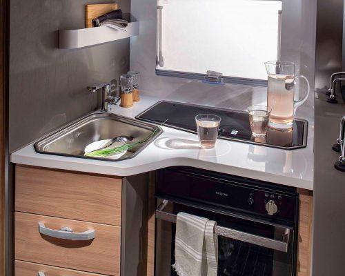 4105_CORAL_XL_PLUS_670_SL_kitchen_JM46001